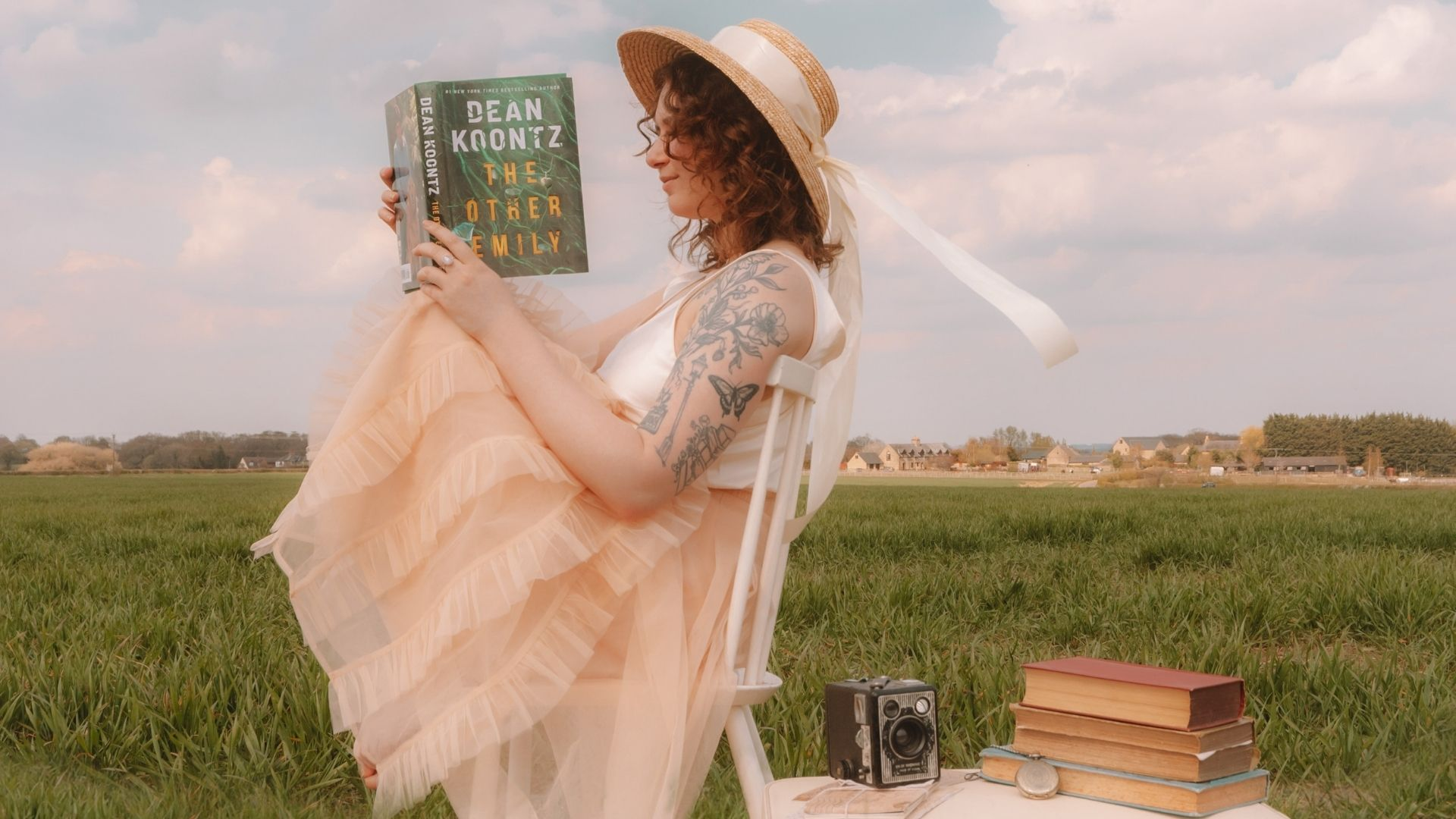 THE OTHER EMILY BOOK REVIEW @FromBeeWithView Bronte Huskinson