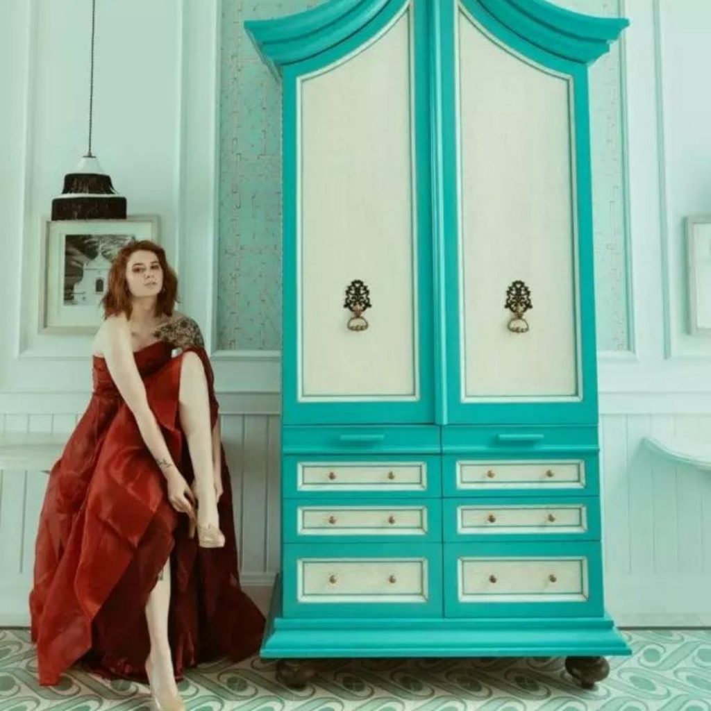 The Turquoise Suite at JW Marriott wardrobe@FromBeeWithLove Bronte Huskinson