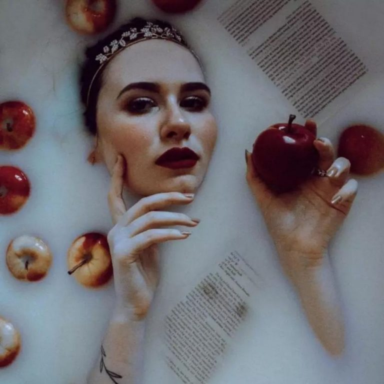 Milk Bath Photography Apples with @FromBeeWithLove Bronte Huskinson