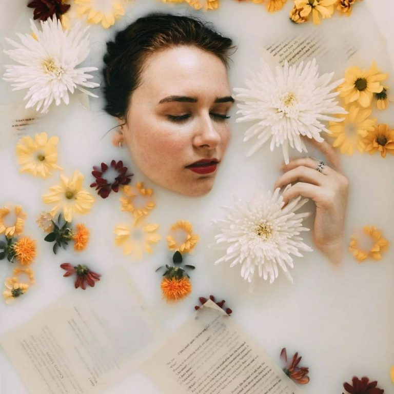 Milk Bath Photography Flowers with @FromBeeWithLove Bronte Huskinson