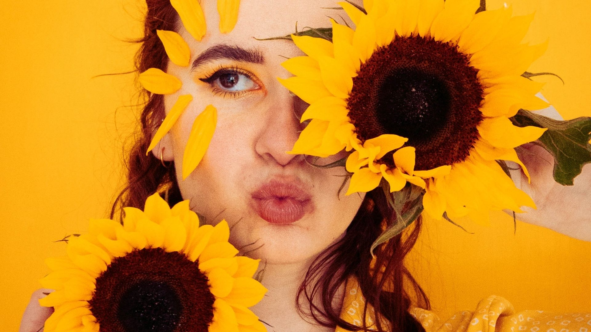 My Guide To Yellow Photography @FromBeeWithLove Bronte Huskinson