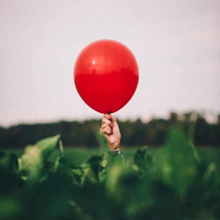 My Guide to Red Photography Balloon @FromBeeWithLove Bronte Huskinson