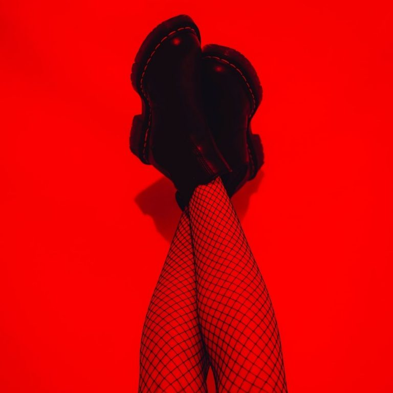 My Guide to Red Photography Bright Red @FromBeeWithLove Bronte Huskinson