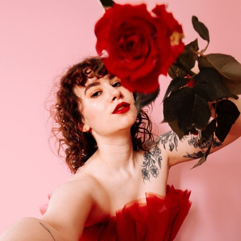 My Guide to Red Photography Roses @FromBeeWithLove Bronte Huskinson